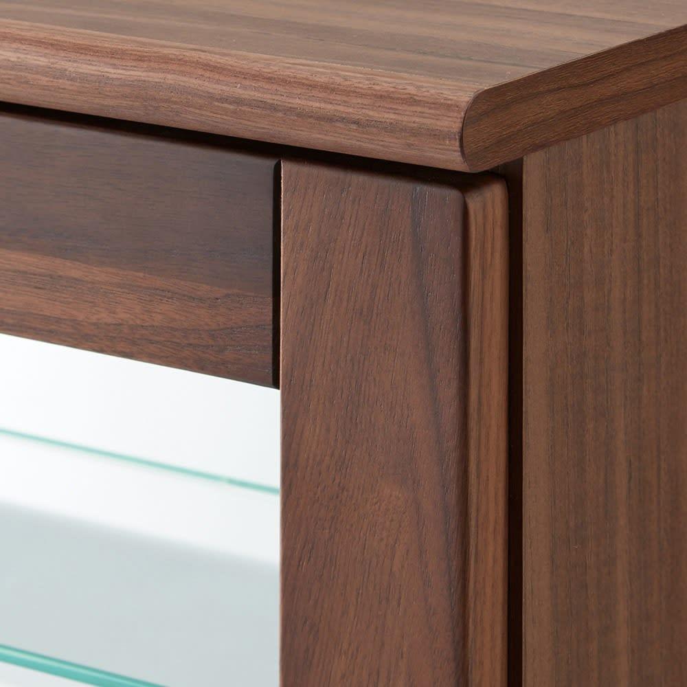 Taide/タイデ 天然木卓上キュリオケース 幅60cm高さ80cm 戸枠にはオーク、ウォルナットの無垢材をそれぞれ使用した、上質感のある本格仕様。こちらは(イ)ウォルナット のタイプ