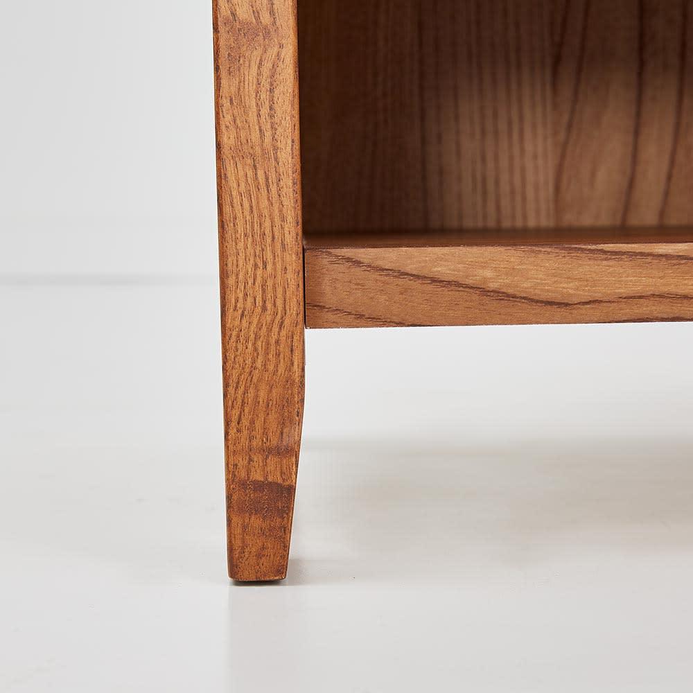 Kasvi/カスビイ コンパクト収納 スリッパラック 幅34cm高さ78cm 脚はわずかに床に向かって細くなるようにデザインし、軽やかな印象に。