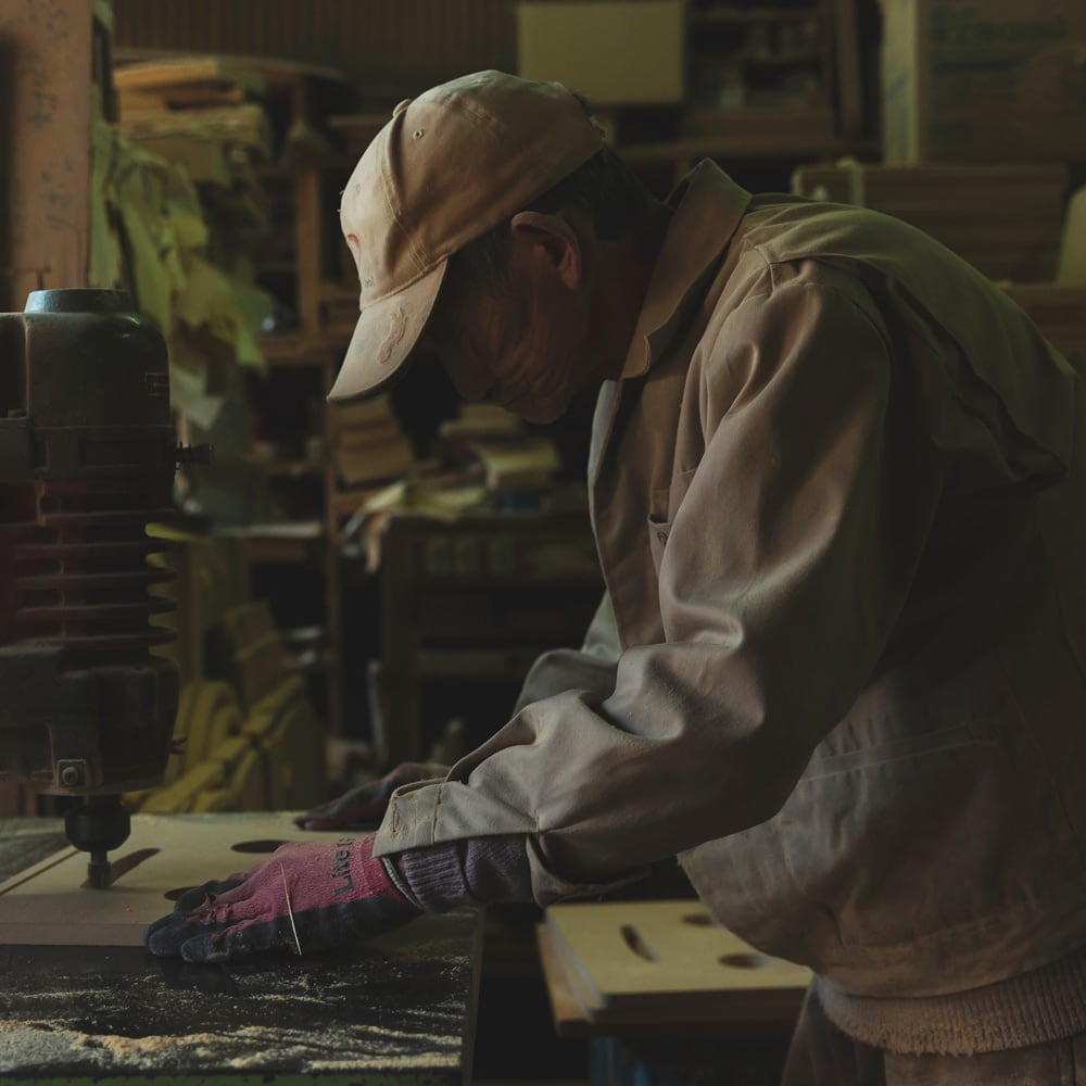 ROBIT/ロビット 収納ロボ[ete・えて ] 静岡の熟練職人が真心を込めて、1点1点をハンドメイドで丁寧に仕上げています。