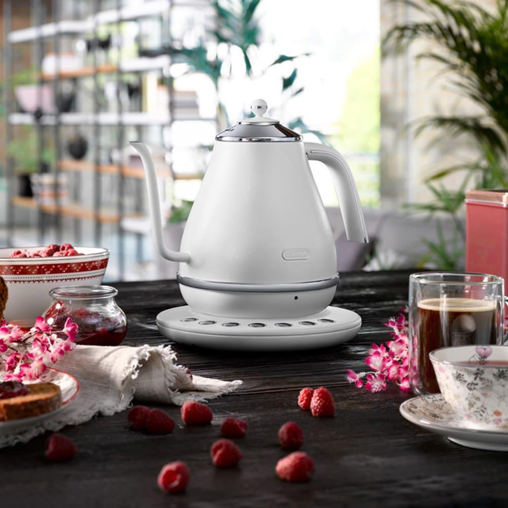 DeLonghi/デロンギ アイコナ 温度設定機能付き 電気ケトル 【KBOE1230J-W/KBOE1230J-GY】 玉露から玄米茶、そして紅茶からハーブティーまで幅広く対応します。