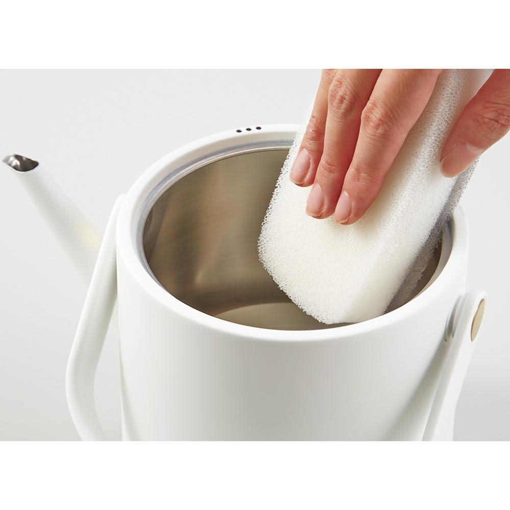 Russell Hobbs/ラッセルホブス Tケトル 給水口が広く、お手入れがしやすい(丸洗い不可)。