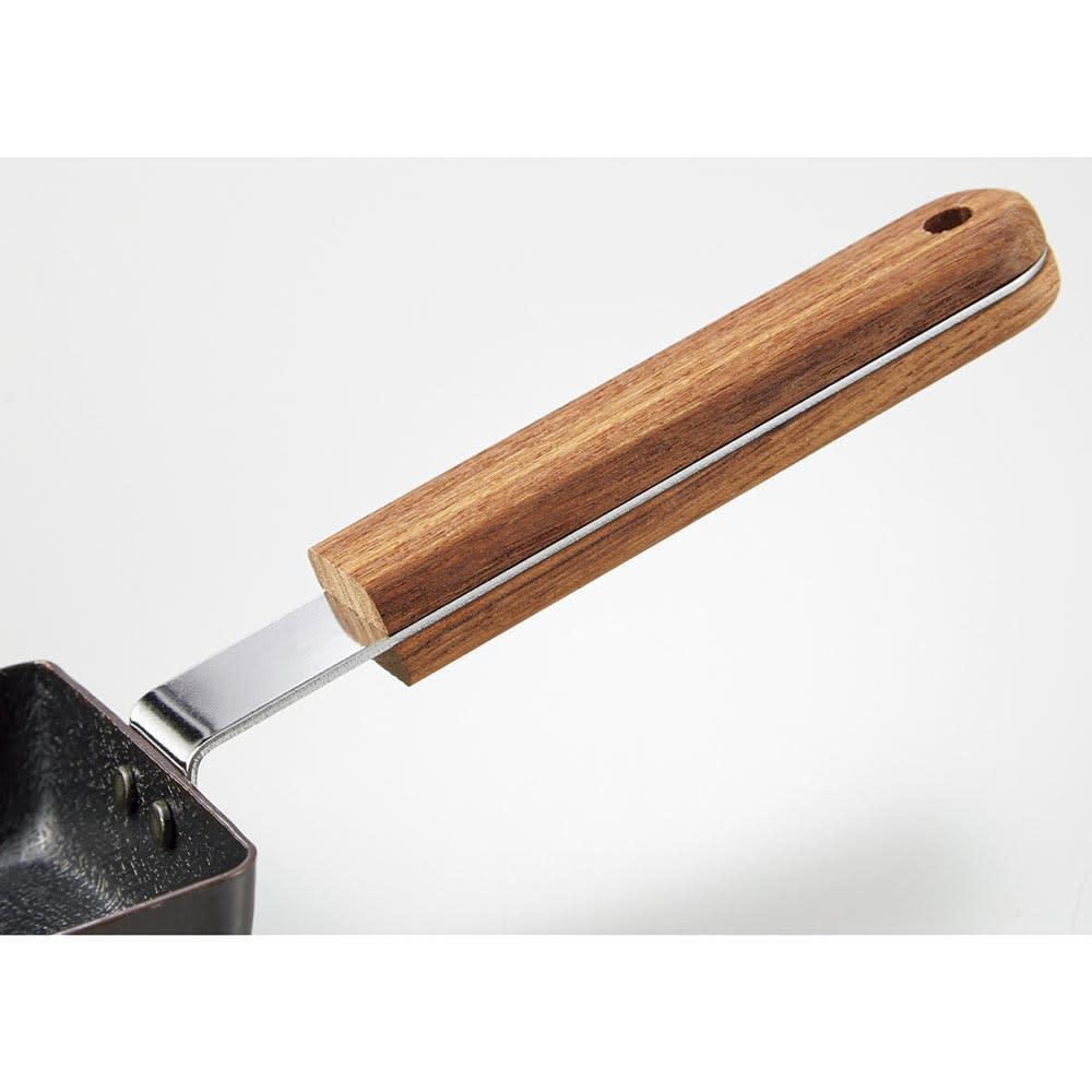 ambai/アンバイ 玉子焼 持ち手は水に強くて丈夫なチーク材。