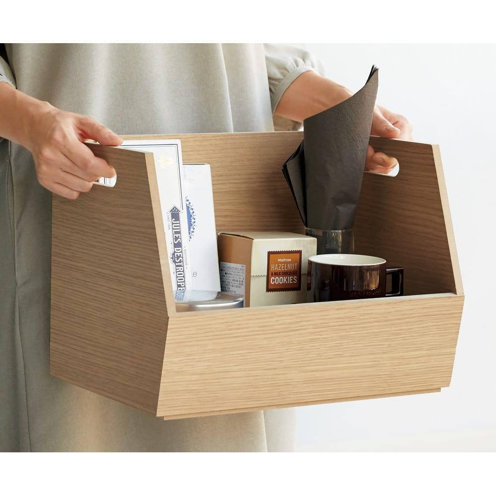 スタッキング収納ボックス 3段 キャスター付き 持ち手付きで、持ち運びがラク。