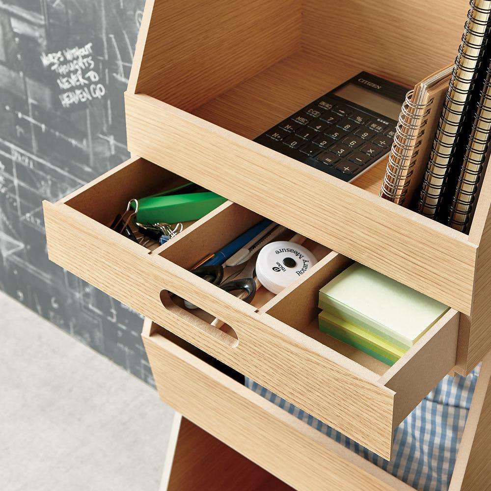 スタッキング収納ボックス 2段 引き出し付きキャスター付き 取り外しできる仕切り板2枚付き。