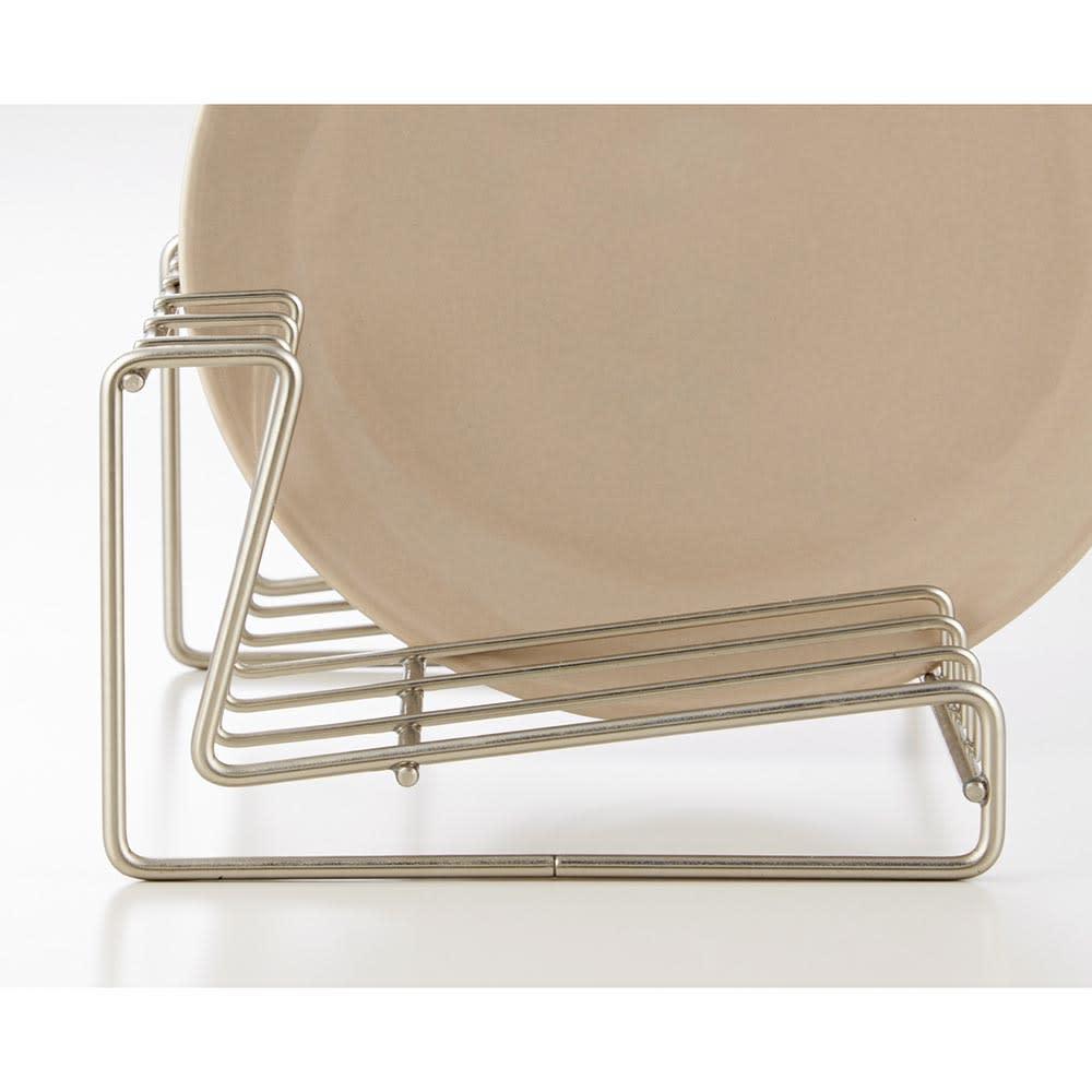 水切りもできるディッシュスタンド ソファ型なので上からも横からも出し入れが簡単。
