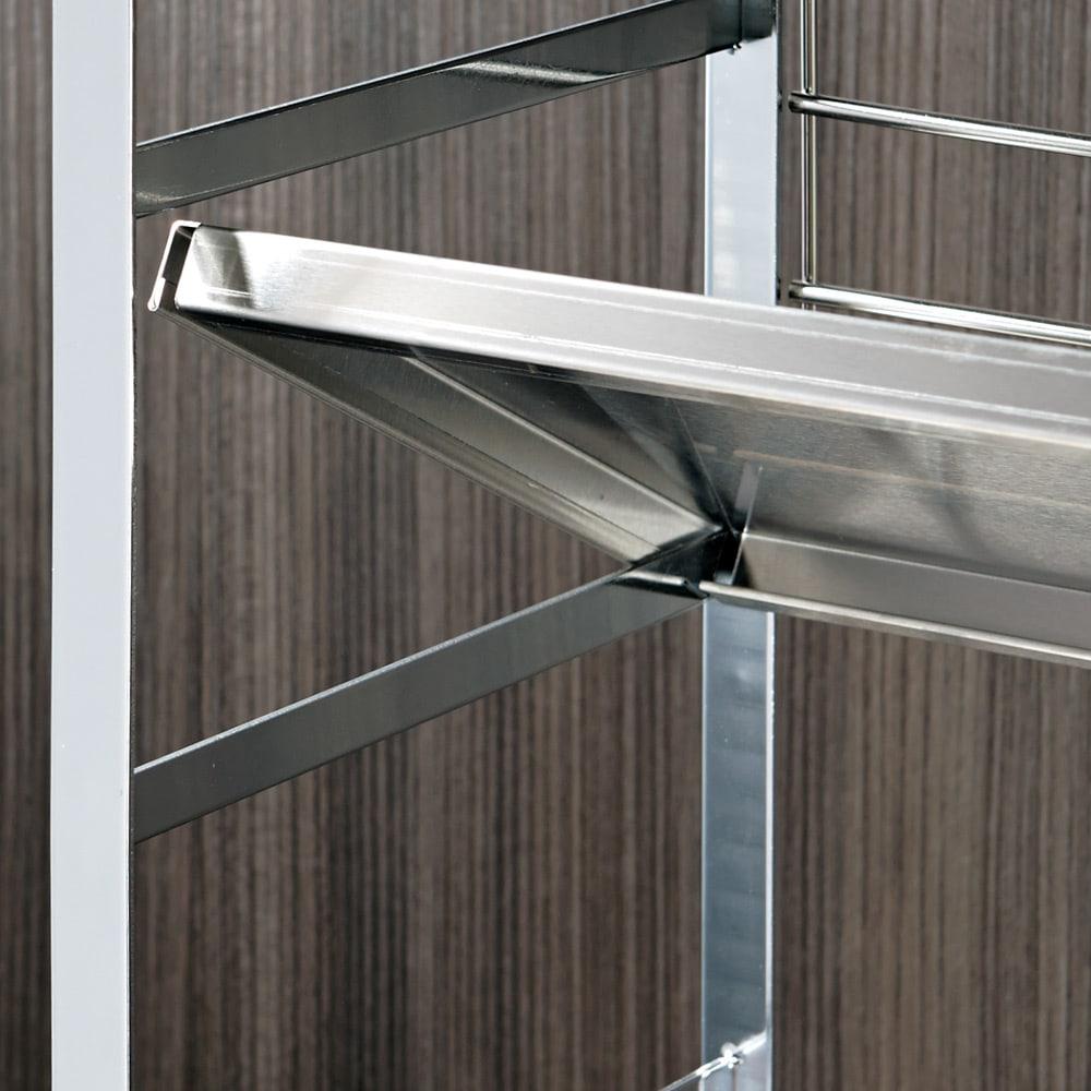 幅75cm(ステンレス頑丈コンロ奥シェルフ) 棚板は10cmピッチの可動式で、置くだけ簡単。