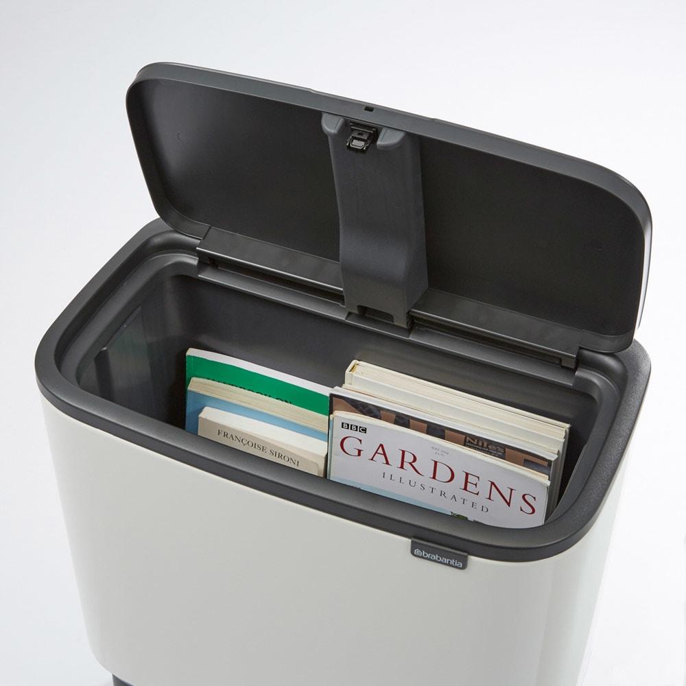 brabantia/ブラバンシア Boタッチビン ステンレス ごみ箱としてのみではなく、ちょっとしたリビング収納としてもお使いいただけます。