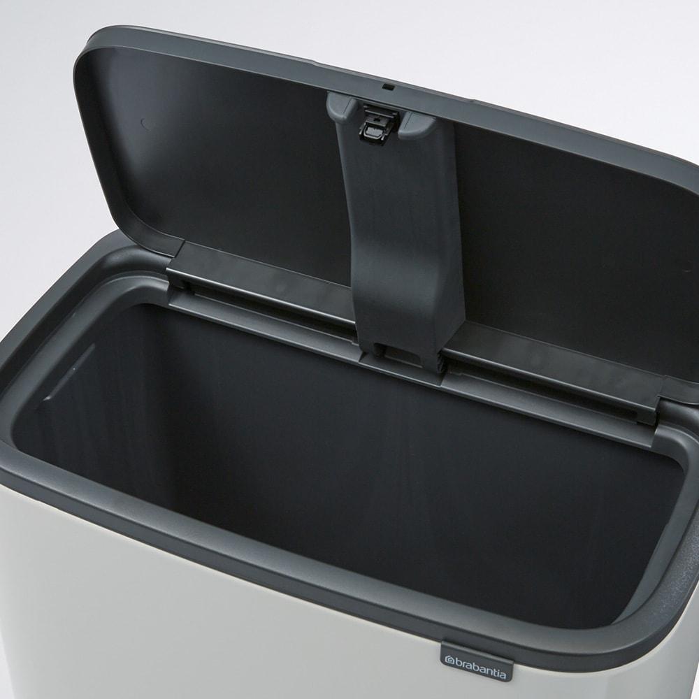 brabantia/ブラバンシア Boタッチビン ステンレス 「1分別」容量:36L ごみをまとめて入れられる大容量タイプ。