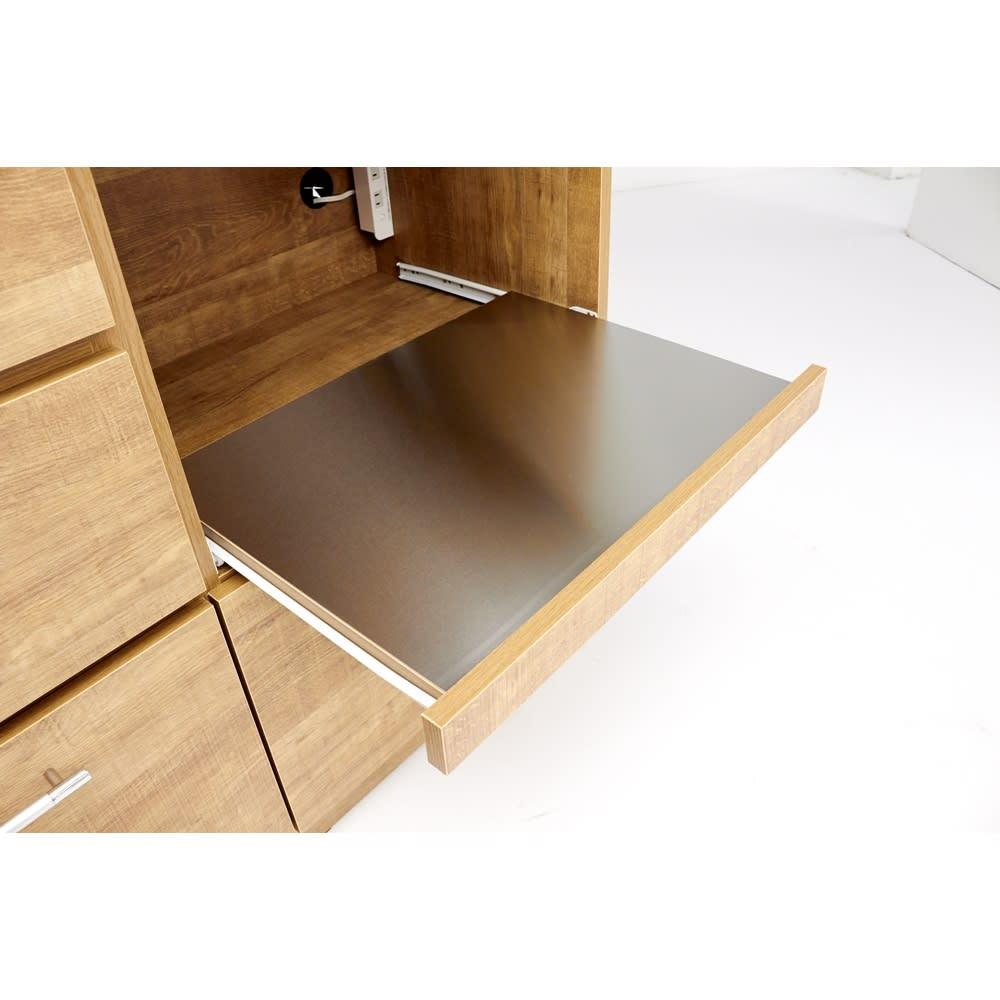Cretty/クレッティ ステンレス天板 ナチュラルモダンキッチン収納 カウンター幅120cm 家電収納部の棚板はスライドレール付きなので、蒸気の出る炊飯器も使えます。