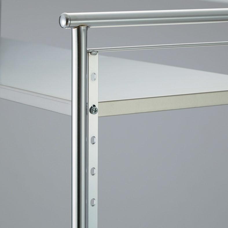 ステンレス棚ダストボックス上幅伸縮ラック 棚4段 棚板の高さは4cmピッチで調節可能。