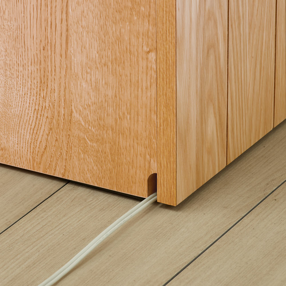 VineII/ヴィネ2 アイランドカウンターオークタイプ オーク天板 幅120cm 配線がもたつかない 床接地面のコード穴で配線すっきり。