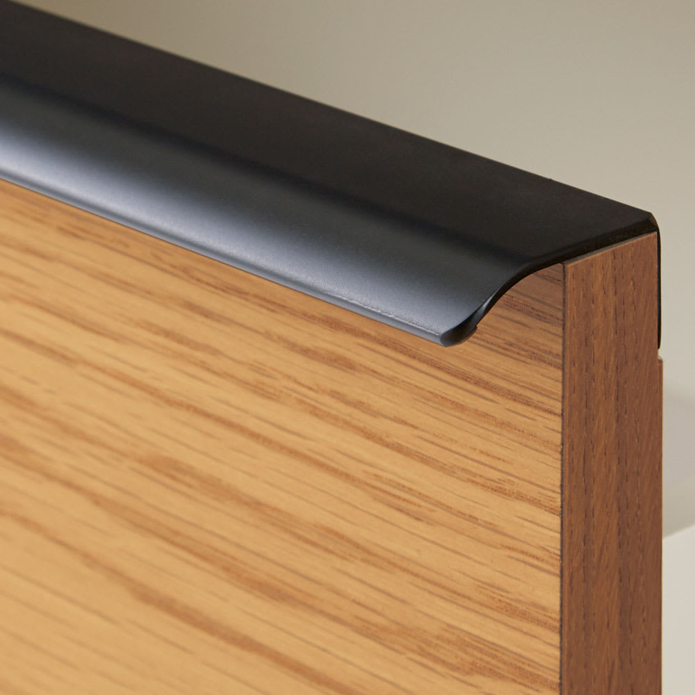 Lana/ラナ ステントップボード幅160cm 【横に長いハンドル】持ちやすく木目に映えるマットブラック塗装。