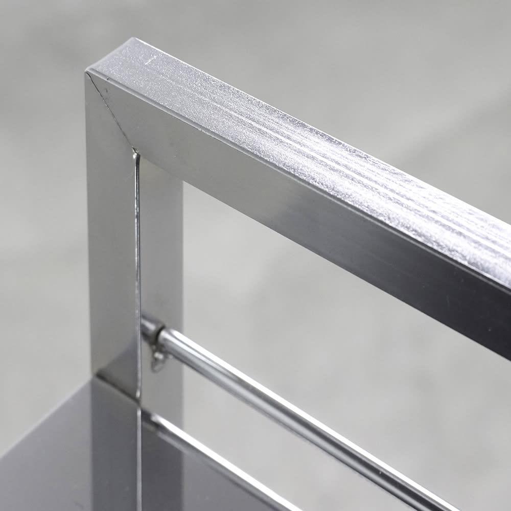 ステンレス製キッチンワゴン 幅43.5cm 取っ手があるからダイニングへの移動も簡単。