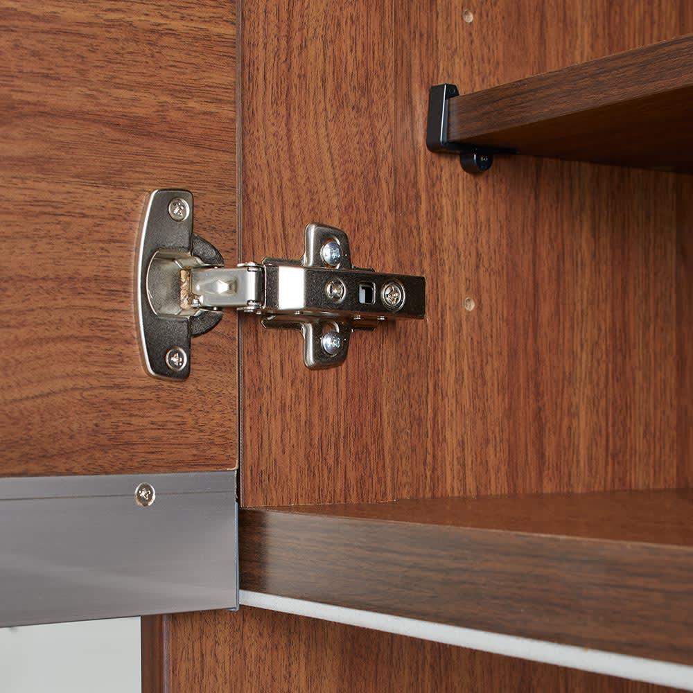 Rhone/ローヌ キッチンシリーズ オープンボード 幅120.5cm 扉の丁番金具。
