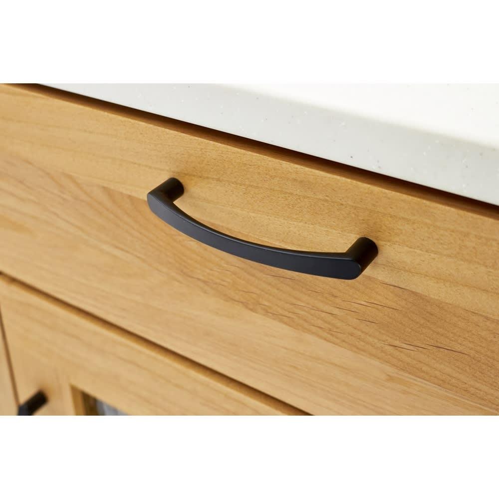 Pippi/ピッピ アルダー材コンパクトキッチン カウンター 幅80.5cm 引き出しにも取っ手をつけ、つかみやすく機能性にもこだわりました。