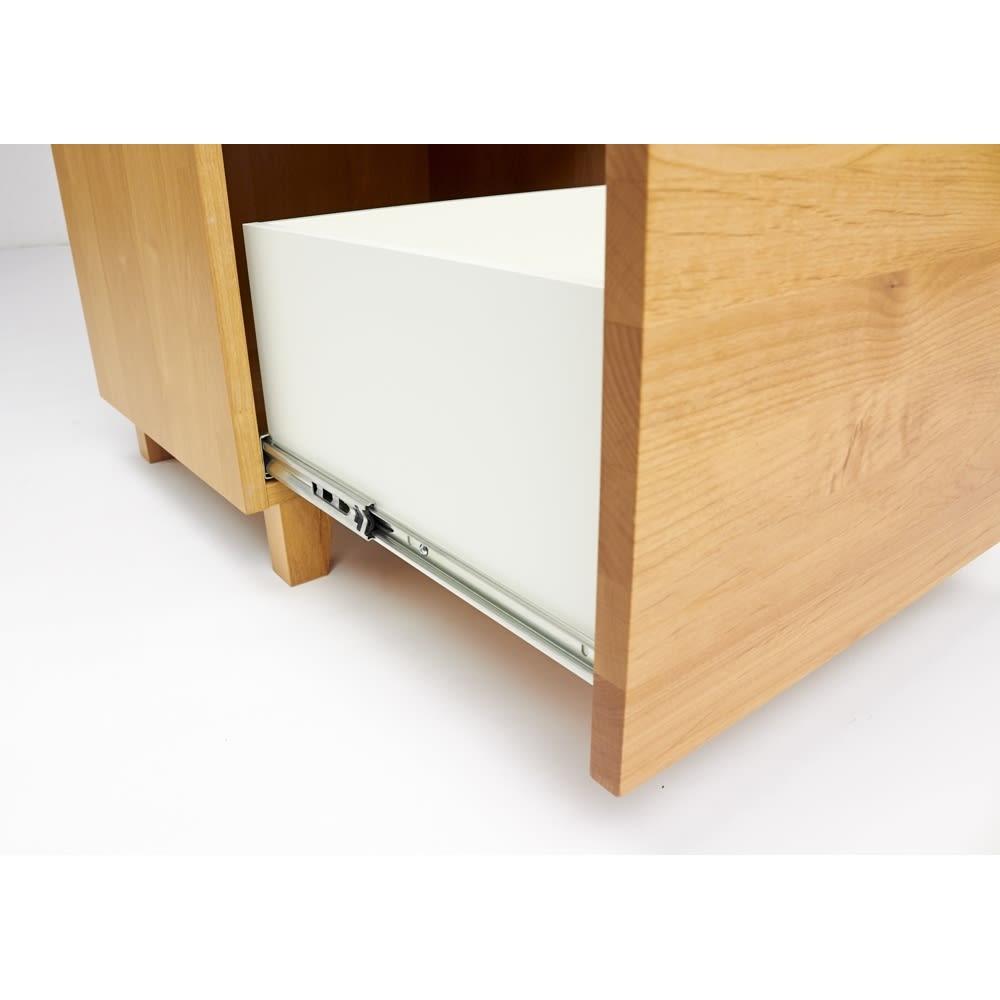 Pippi/ピッピ アルダー材コンパクトキッチン キッチンボード 幅100.5cm 下段引き出しもフルスライドレールを使用。内部にはホワイト系の化粧を施しお手入れしやすく配慮。