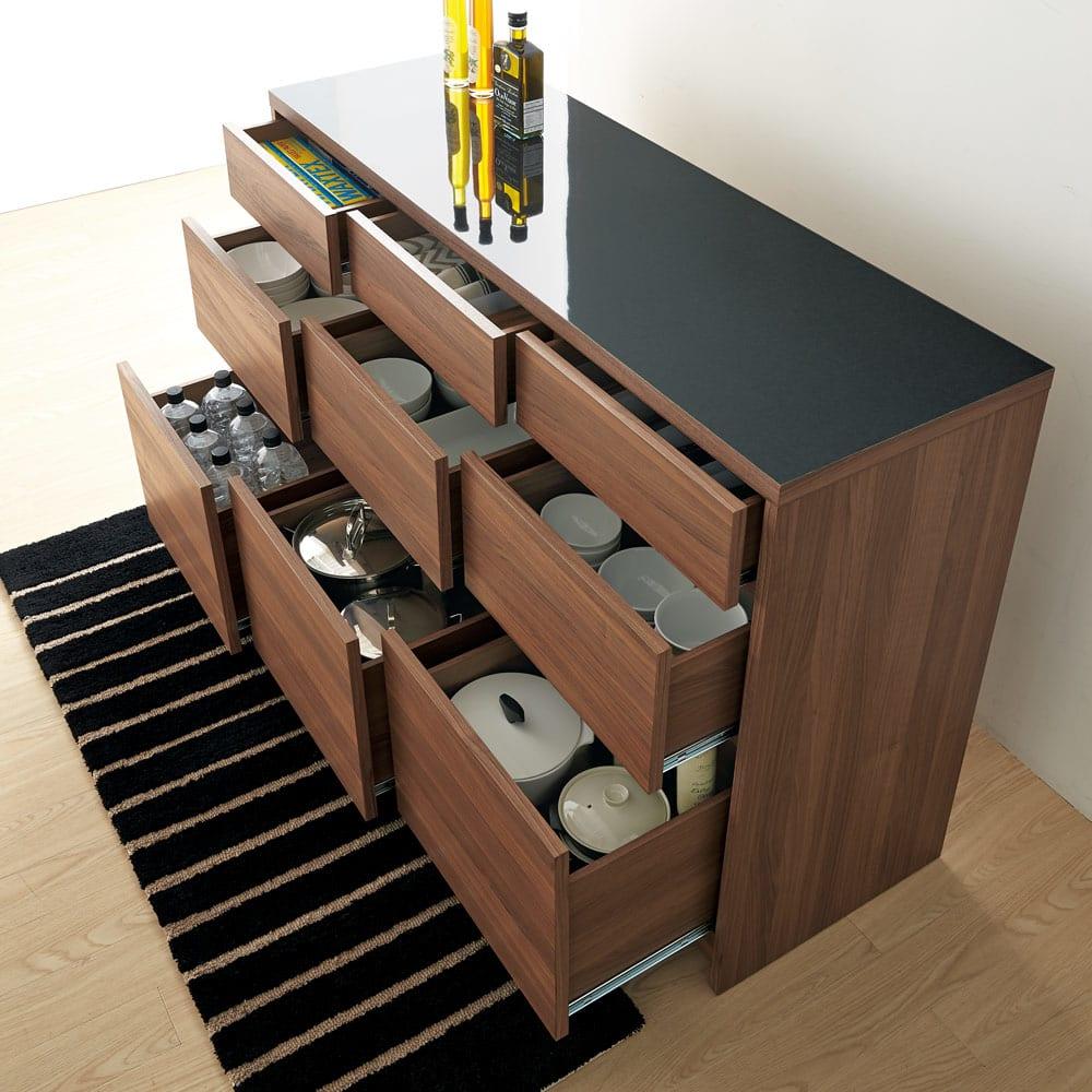 Granite/グラニト アイランド間仕切りキッチンカウンター幅140cm 引き出しタイプ 引き出したっぷりの収納力で、キッチン周りのストックから食器までまとめて収納できます。