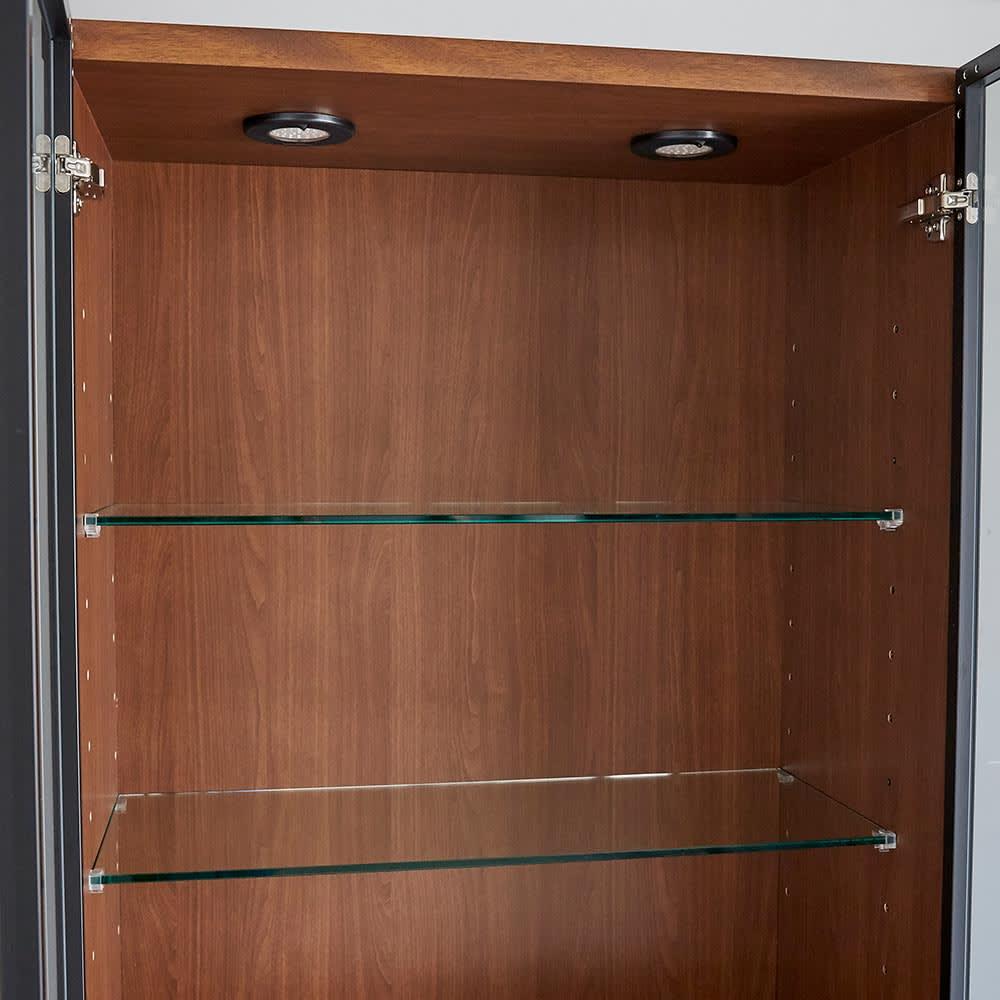 Sorrento/ソレント リビングキャビネット 幅76高さ183cm ガラス扉 LED照明付き ガラス製の可動棚は2枚付属。