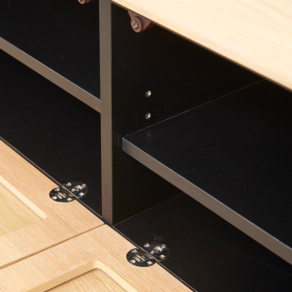 Glint/グリント LED照明付きテレビ台 幅180cm デッキ収納部の棚板は3cmピッチで高さ調節できます。