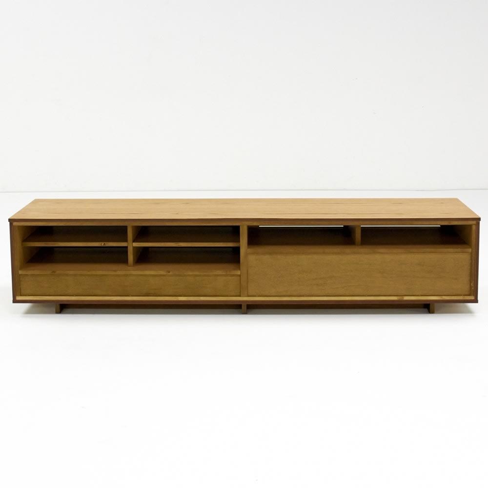 格子リビングシリーズ テレビボード 幅199.5cm 背面は背板がないのでコード類の配線も楽です。