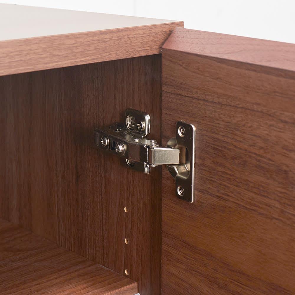 SabioII/サビオ リビング家電収納 サイドボード幅110cm 板扉部の蝶番金具。