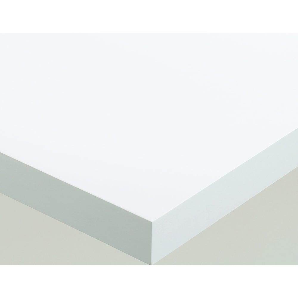 Pombal/ポンバル シェルフ 高さ187cm 連結用パーツ/追加用シェルフ1列 素材アップ ホワイト 下地のMDFを丁寧に加工し、ラッカー塗装で仕上げています。塗装仕上げなので、プリント紙貼りの家具に見られるような継ぎ目は見えません。