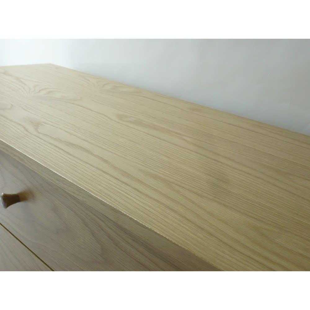 オーク天然木 リビングボード サイドボード [WOODMAN・ウッドマン] 天板にも豊かな木目がふんだんに現れています。