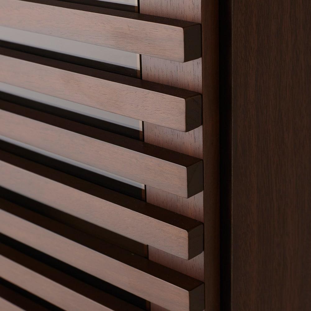 Gulf/ガルフ 格子デザインシリーズ ブックシェルフ 幅60cm 格子のすき間はガラス張りで、大切な本を日焼けや埃から守ります。