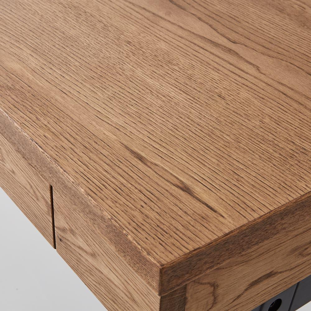 Brook(ブルック) ウッドデスクシリーズ デスク 幅120cm 主に北海道で採れるミズナラは、厳しい環境に耐えて育つため、きめ細かな木目が特徴