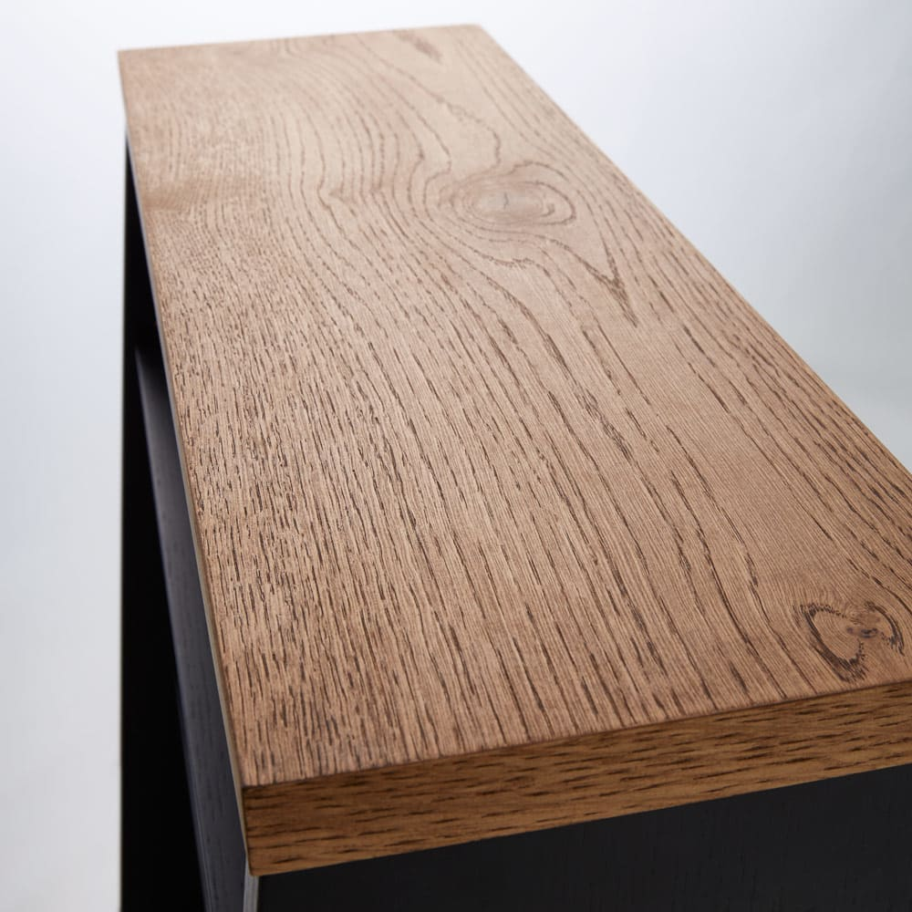 Brook/ブルック ウッドデスクシリーズ ブックシェルフ 幅120cm 天板には、北海道産のミズナラ材を採用し、素材の自然のままの風合いを活かしました。