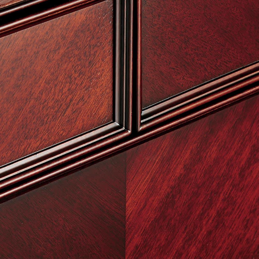 エレガントクラシックシリーズ テレビボード・テレビ台 幅150cm ダークブラウンは矢羽根模様の美しい木目で優雅さを引き立てます。