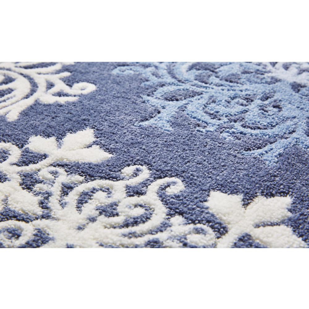 DressLeaf/ドレスリーフ キッチンマット [生地アップ]ブルー ふかふかな踏み心地。汚れても洗濯ネットにいれて洗濯機で丸洗いできます。裏面は滑り止め加工付き。