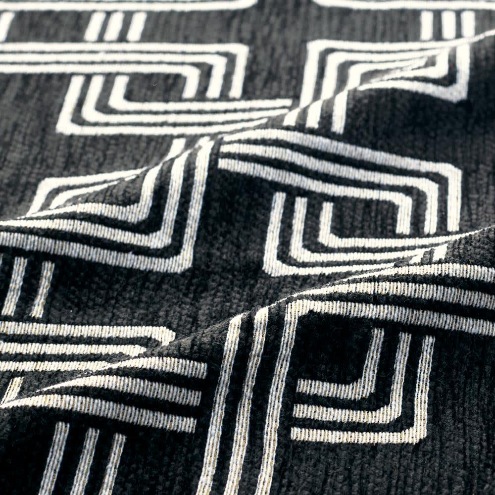 イタリア製マルチクロス Rita/リタ キッチンマット約65×120・180・240cm(3サイズ) [素材アップ]ブラック シェニールと綿混の糸で織り上げた、心地よい肌触りの生地。