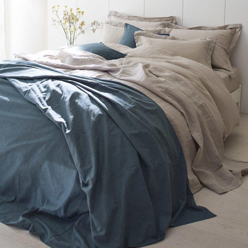 French Linen/フレンチリネン カバーリング 掛けカバー プレーン [コーディネート例]ベージュ ※お届けは掛けカバーです。 ※麻の風合いを出すために洗いざらしの状態で撮影しています。