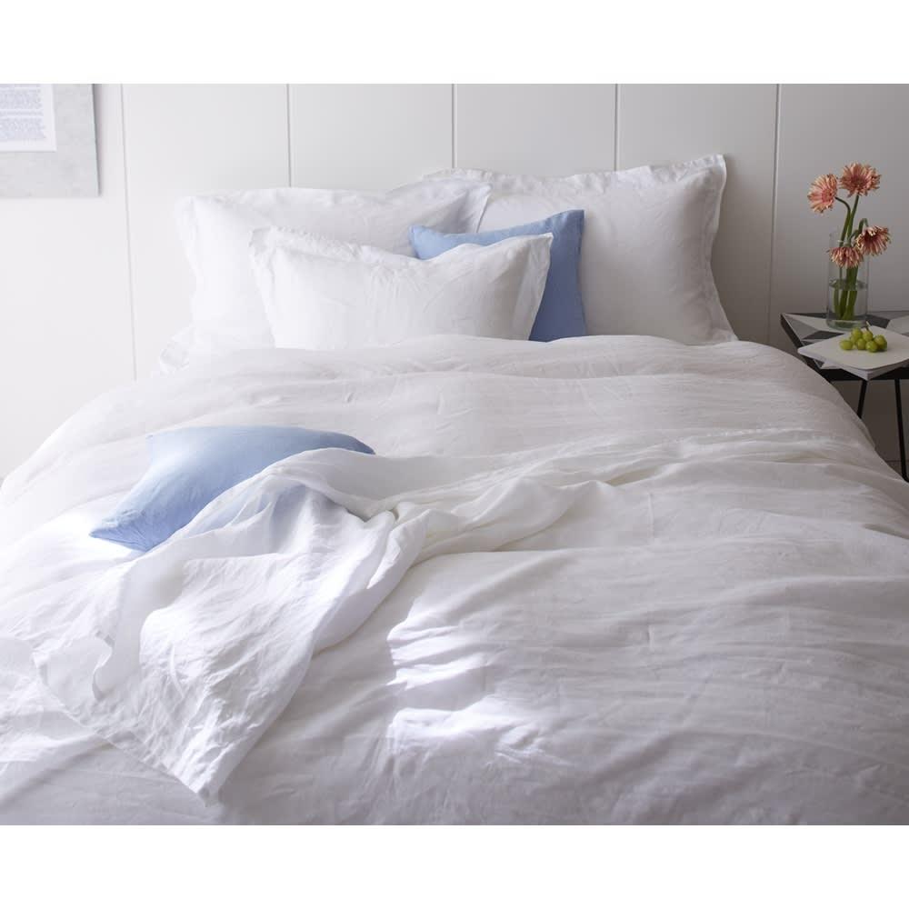 French Linen/フレンチリネン カバーリング マルチカバー [コーディネート例]ホワイト ※お届けはマルチカバーです。