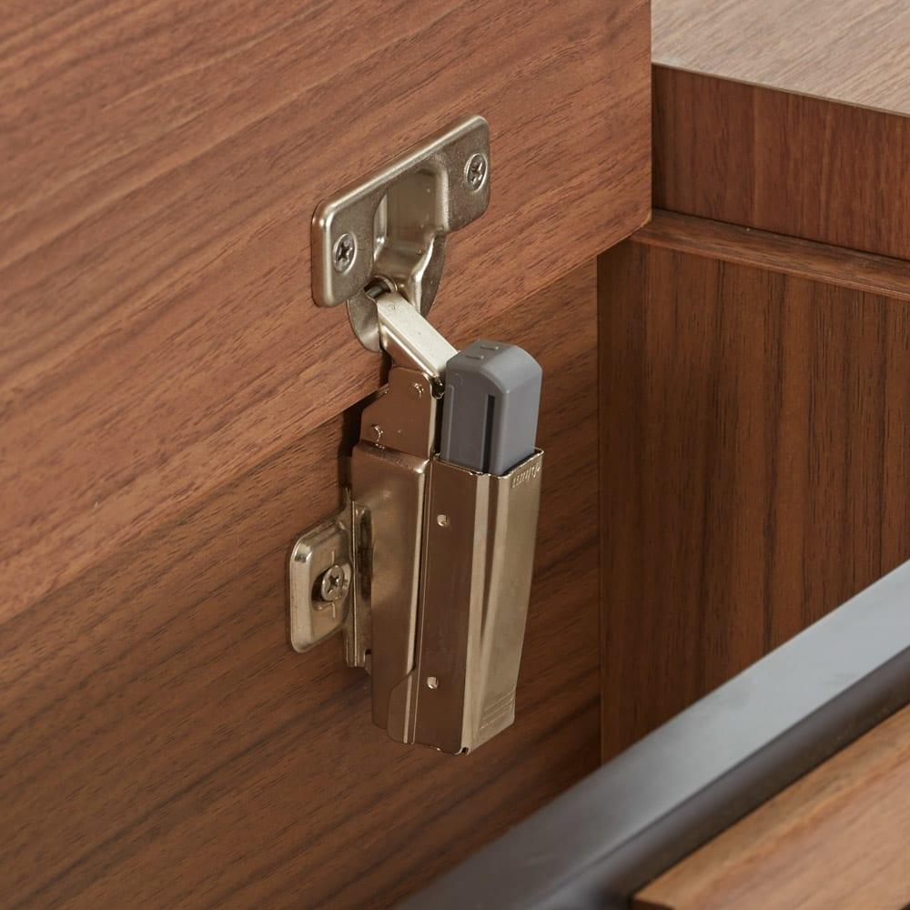 AlusStyle/アルススタイル ベッドシリーズ ベッドフレームのみ ヘッドボードの収納部はゆっくりと閉まるソフトダンパー仕様で指挟みを防止します。
