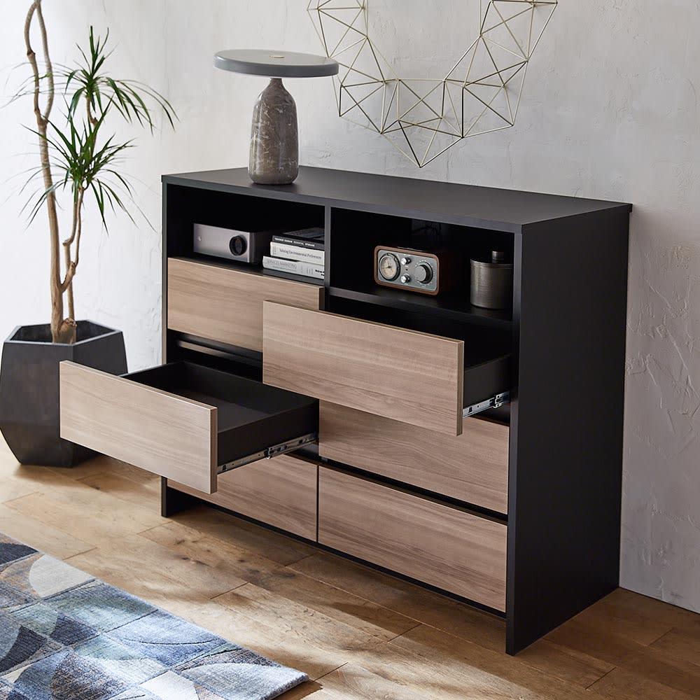 Dejlig/ダイリ棚付チェスト 幅120cm・3段(高さ94.5cm) ツートンカラーはシックなマットブラックとグレーウォルナットの組み合わせ。寝室などのワンポイントにも。