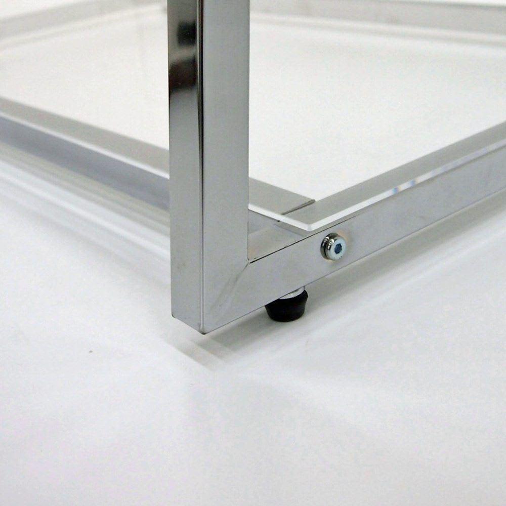 Lettre(レットル) ハンガーラック 幅80cm 脚部にはアジャスター付で床のガタツキにも対応します。