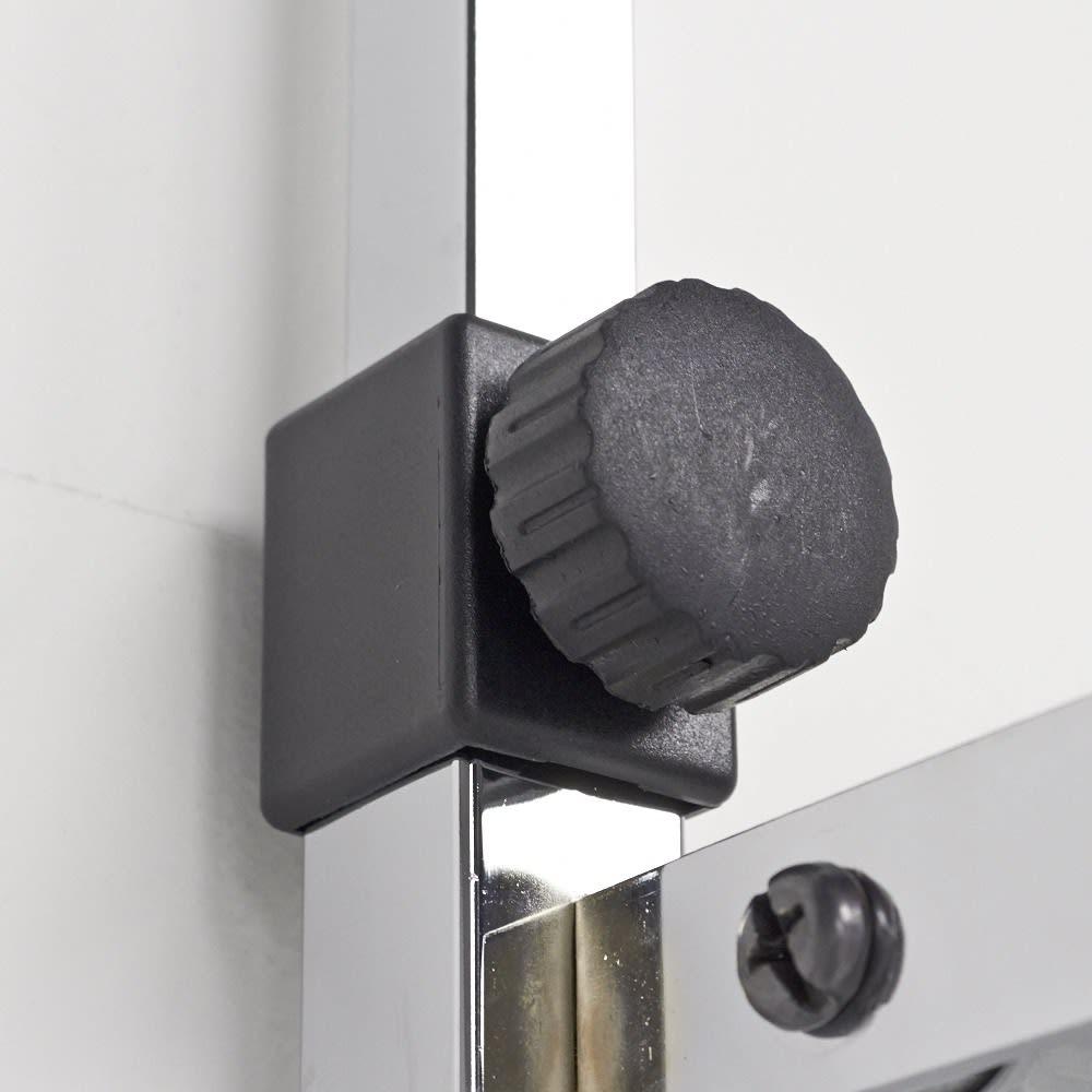Shinevarie(シャインバリエ) クローゼットハンガーラック 幅120cm~200cm対応 突っ張りのパイプを締めるのも回すだけで固定できます。