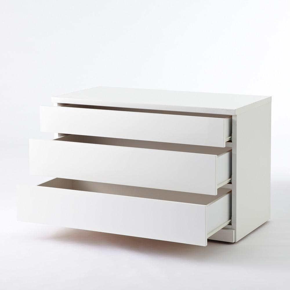 クローゼットチェスト(隠しキャスター付き) 幅90cm・3段 引き出しは、全段スライドレールを付きです。スムーズに引き出せる仕様です。