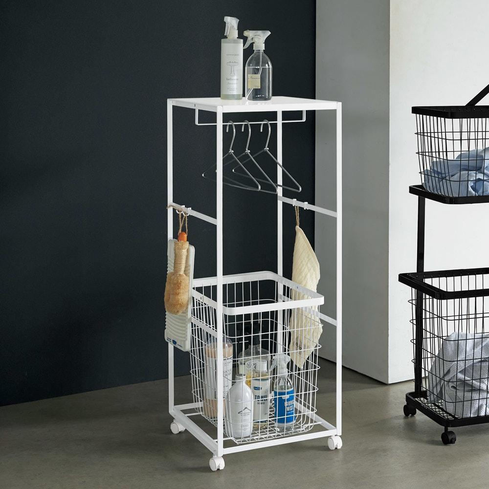 tower/タワー ランドリーワゴン 天板付きタイプ(バスケット1組) 洗濯物もランドリー用品もひとまとめに収納できます。