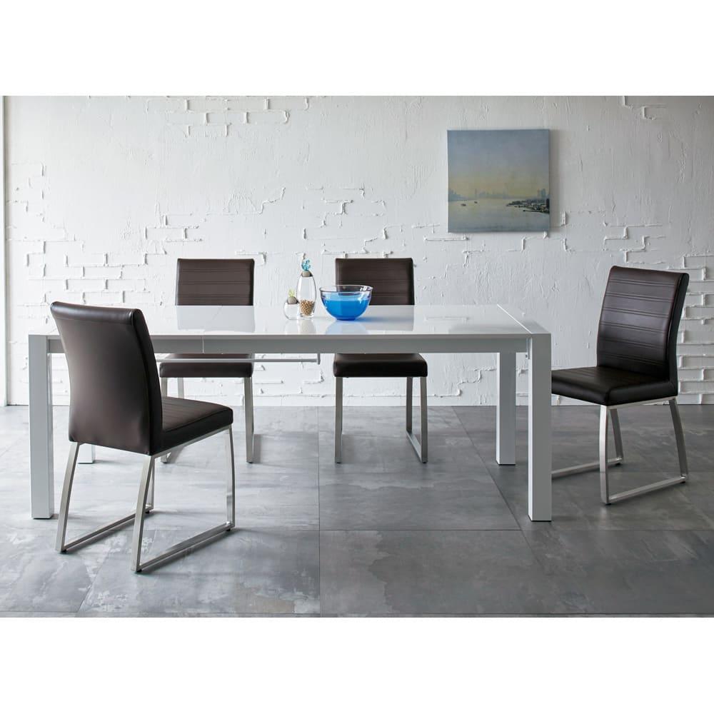 Steady 伸長式ダイニングテーブル 幅140cm・伸長時200cm ホワイト