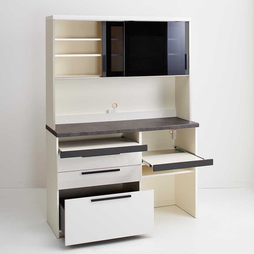 Boulder/ボルダー 石目調天板キッチンシリーズ ボード 幅140cm 奥行50cm プレーンホワイト 機能的な設計で、キッチンのあれこれがまとめて片付きます。