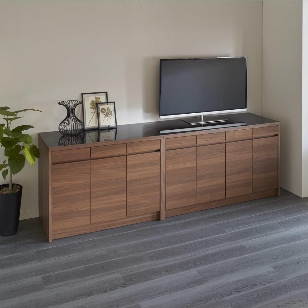 Granite/グラニト デスクシリーズ キャビネット幅119cm テレビを天板に置いて、テレビ台・リビングボードとして使用して頂けます。