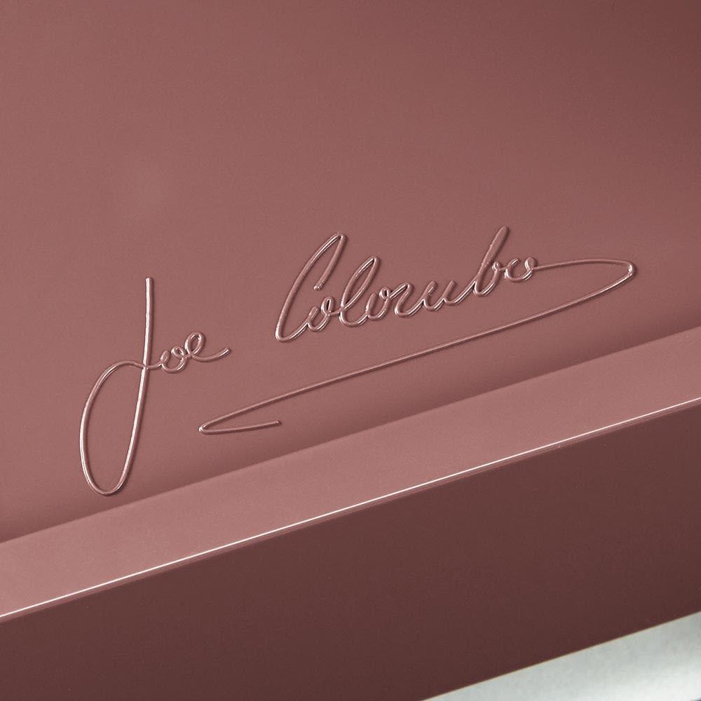 【台数限定208台】Boby Wagon/ボビーワゴン3段3トレイ HOUSE STYLING別注カラー・ココアブラウン[B-LINE・ビーライン/デザイン:ジョエ・コロンボ] 最下段にはデザイナー、ジョエ・コロンボ氏のサインが刻印されています。