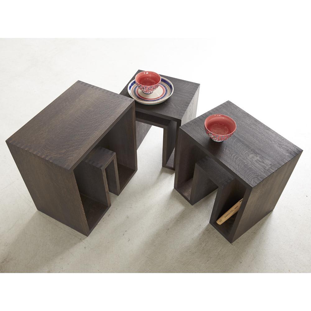 SHOJI/ショージ ネストテーブル リビングテーブル/サイドテーブル[abode・アボード/デザイン:ウー・バホリヨディン] 天然目の質感を生かしたテーブルセット。好きな配置や場所でお使いいただけます。