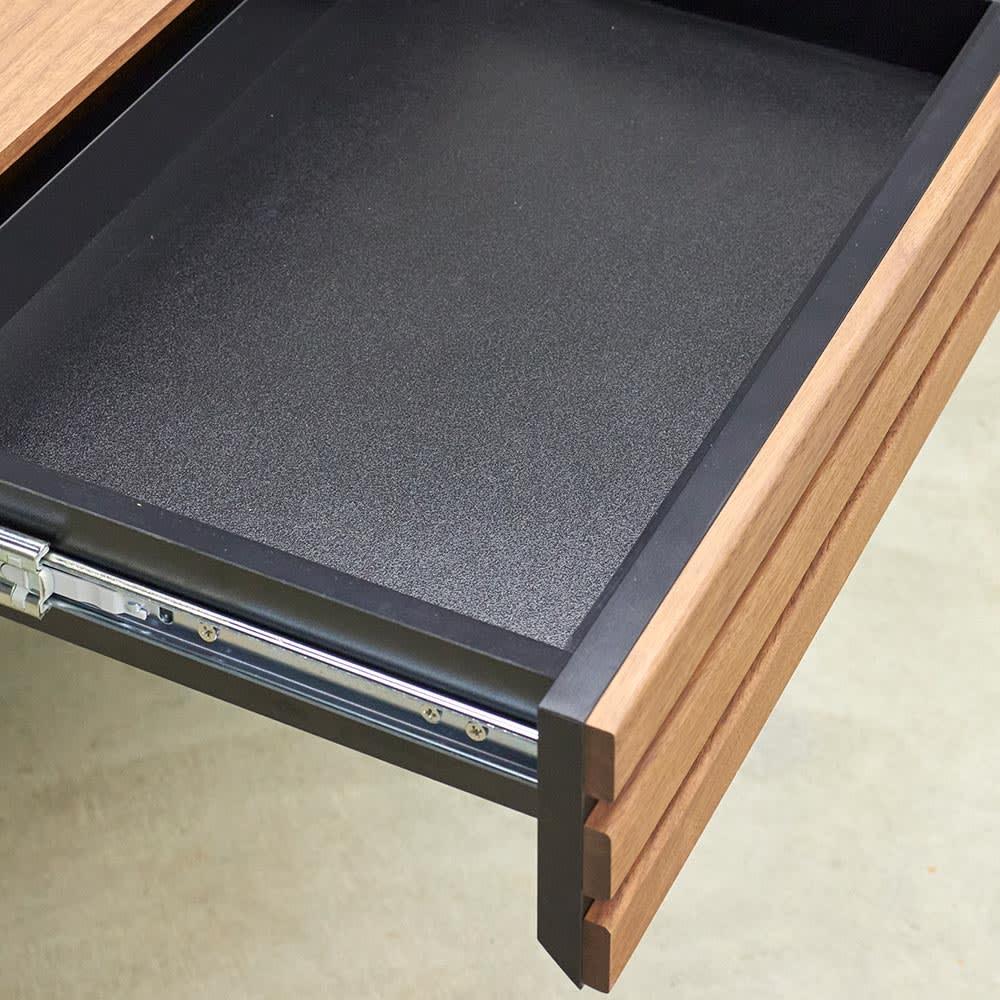 AlusStyle/アルススタイル 薄型ホームオフィス デスク 幅100.5cm 引出の内装材にも高級感漂うブラックカラーを採用しました。