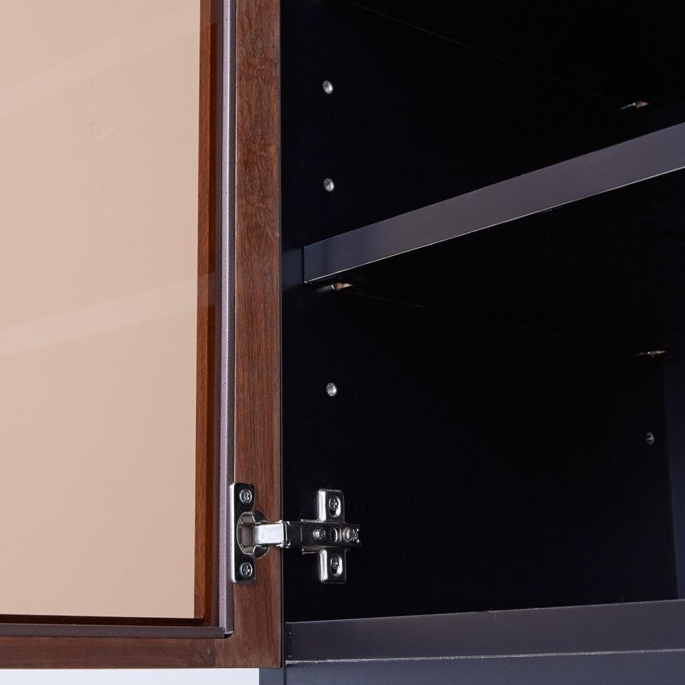 Alus Style/アルススタイル コンパクトホームオフィス ブックシェルフ幅40.5cm ブロンズカラーのガラスを採用し、収納物のごちゃつきをさりげなく抑えます。