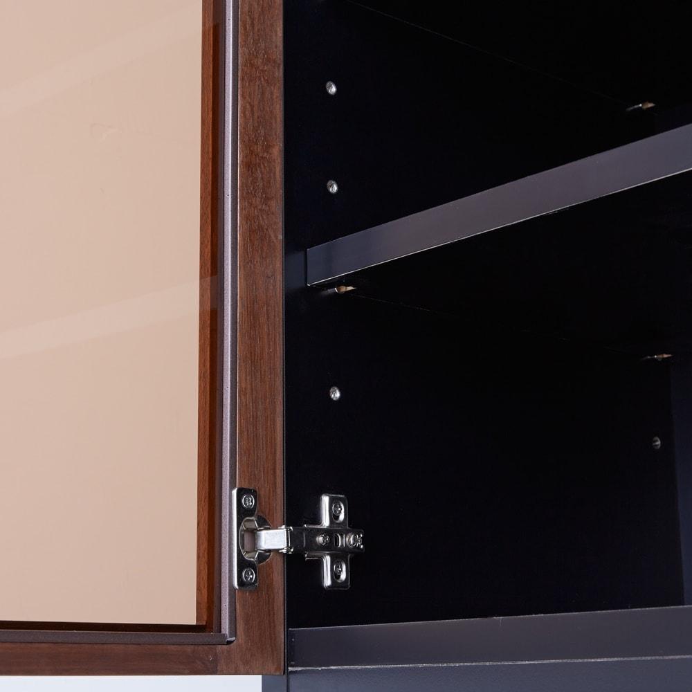Alus Style/アルススタイル コンパクトホームオフィス ブックシェルフ幅80cm ブロンズカラーのガラスを採用し、収納物のごちゃつきをさりげなく抑えます。