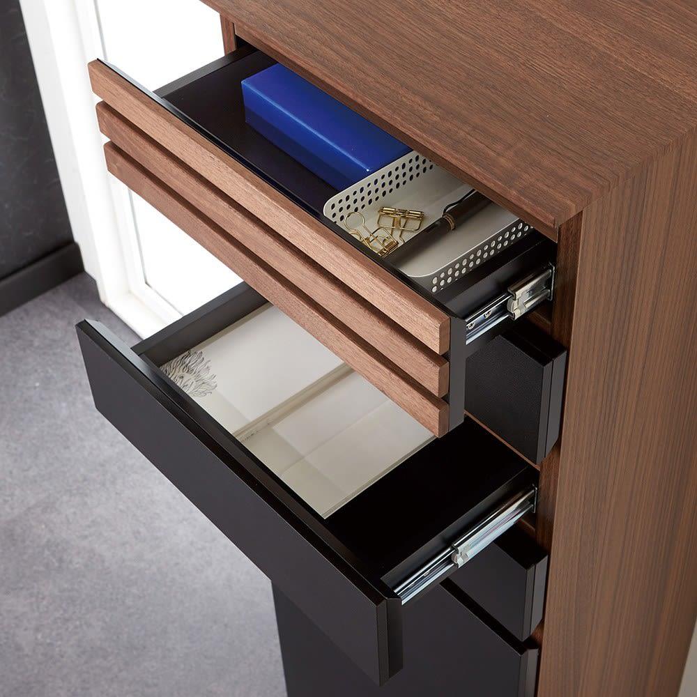 AlusStyle/アルススタイル ルーター収納書類チェスト B4タイプ高さ96cm 朝方の引き出しなので、中身が見やすく紙類の収納に。文房具などのこまごましたものの収納にもおすすめ。